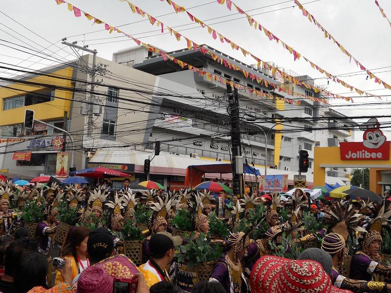 フィリピンセブ島のお祭りシヌログ